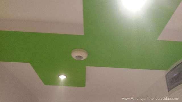 Scafa verde de mascare grinda cu lumini